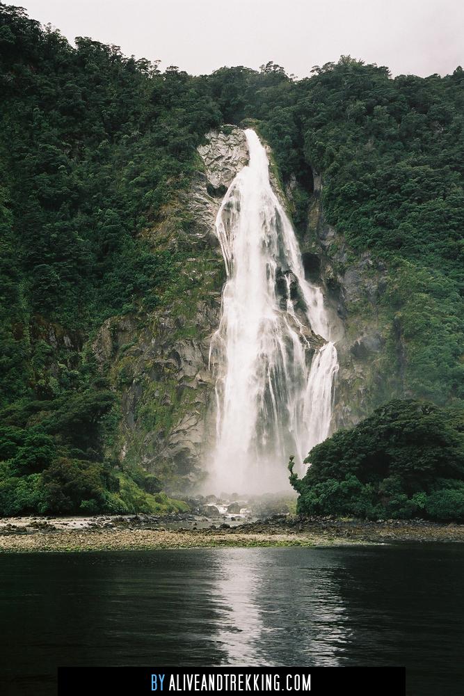 milfordsound-waterfall
